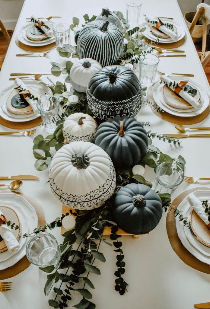 15.-Thanksgiving-Table-Setting-Ideas_Pattern